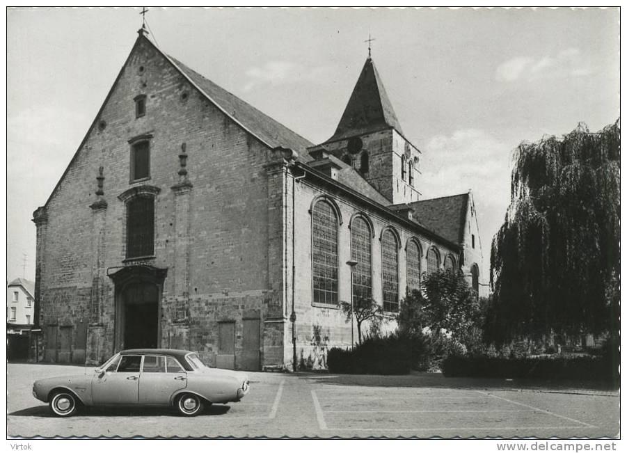 Opwijk :  St. Pauluskerk      ( Groot Formaat )  Old Car - Opwijk