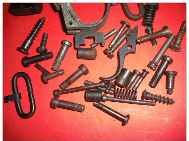 Lot De Pieces Pour Lee Enfield - Armas De Colección