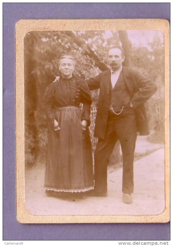 Photo - Couple (chaîne De Montre) - Personnes Anonymes