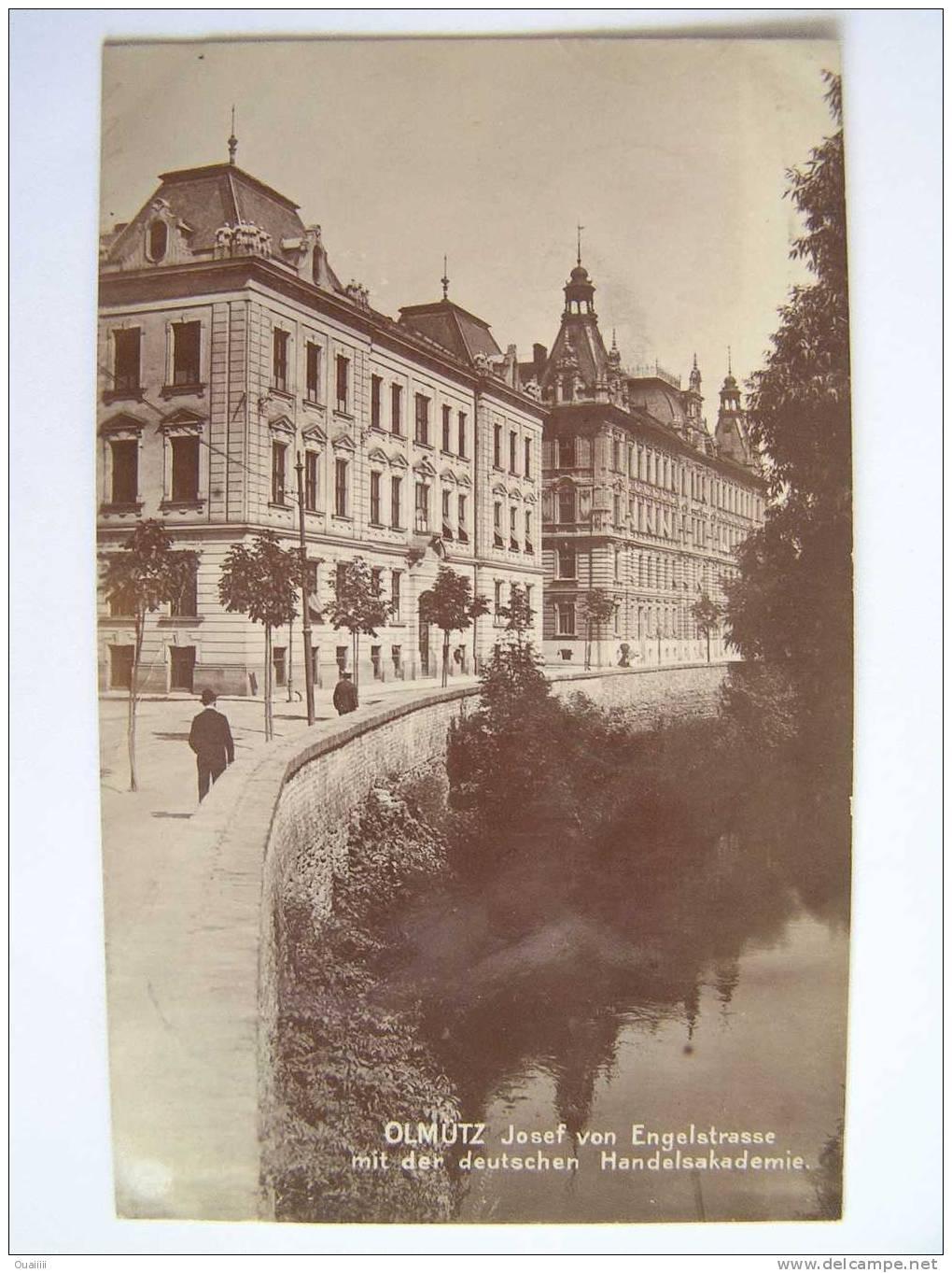 Cpa, Carte Photo, Très Belle Vue Animée, Olmutz Josef Von Engelstrasse Mit Der Deutschen Handelsakademie - Tchéquie