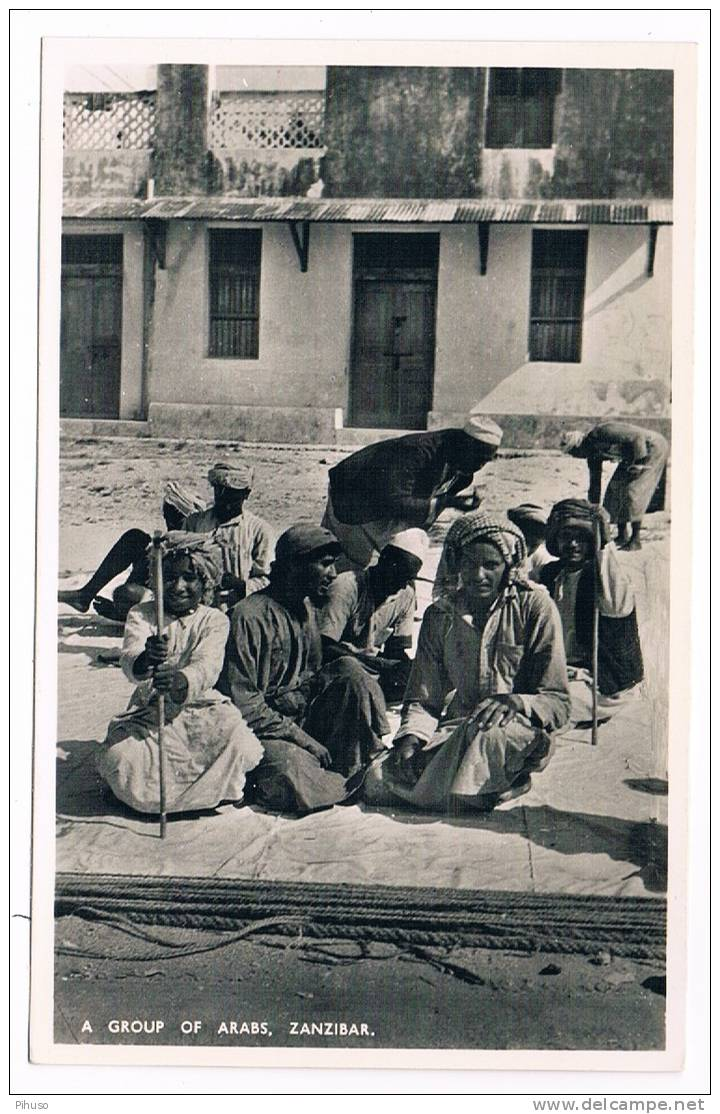 AF-449  ZANZIBAR :  A Group Of Arabs - Tanzania