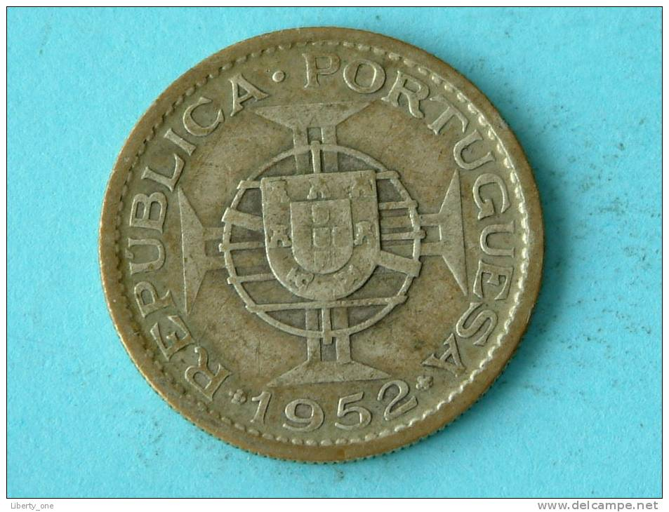 1952 - 10 ESCUDOS / KM 79 ( Uncleaned - For Grade, Please See Photo ) !! - Mozambique