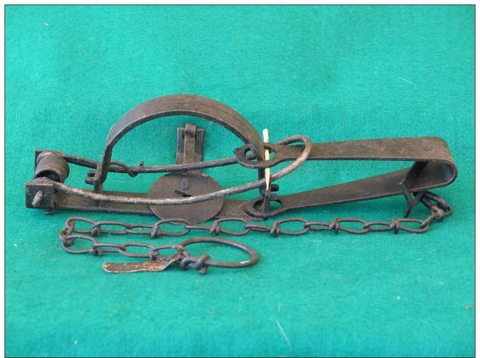 Piège , Tellereisen, Falle, Trap, Piège A Rat, Rattenfalle, Rat Trap - Decorative Weapons