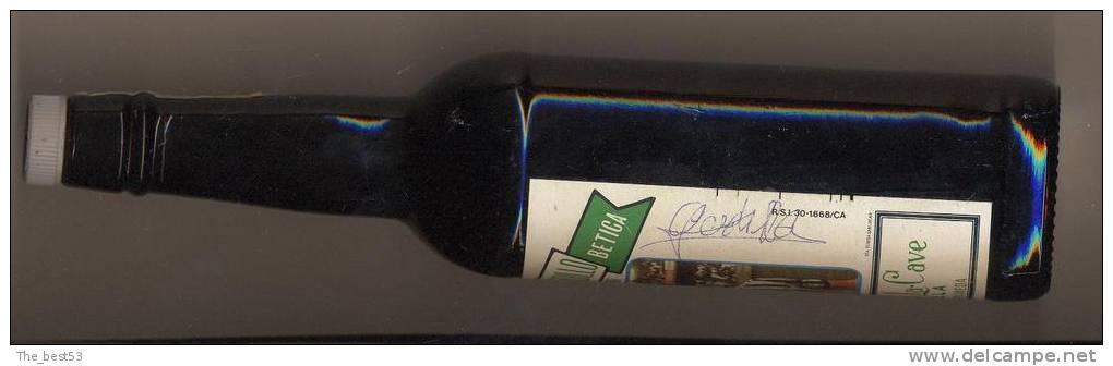 Bouteille De Vin Avec étiquette Dédicacée De Rafael Gordillo  Espagne  (Thème Foot) - Vino