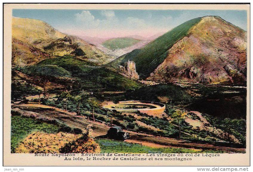 Route Napoléon - Environs De Castellane - Les Virages Du Col De Lèques - Au Loin, Le Rocher De Castellane Et Ses Montagn - Castellane