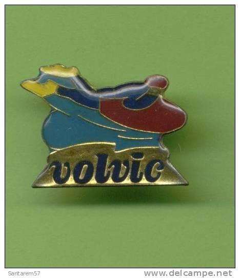 Badge Publicitaire Advertising Pins VOLVIC Sports Surf - Ski Nautique