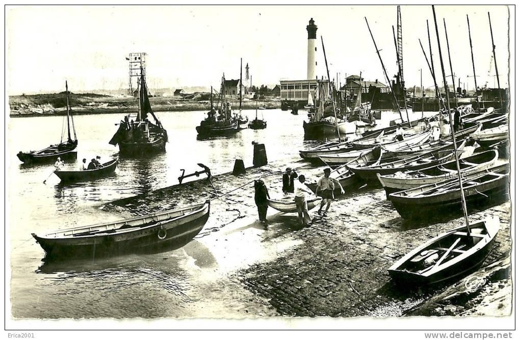 Ouistreham.  Le Port Et Le Phare . - Ouistreham
