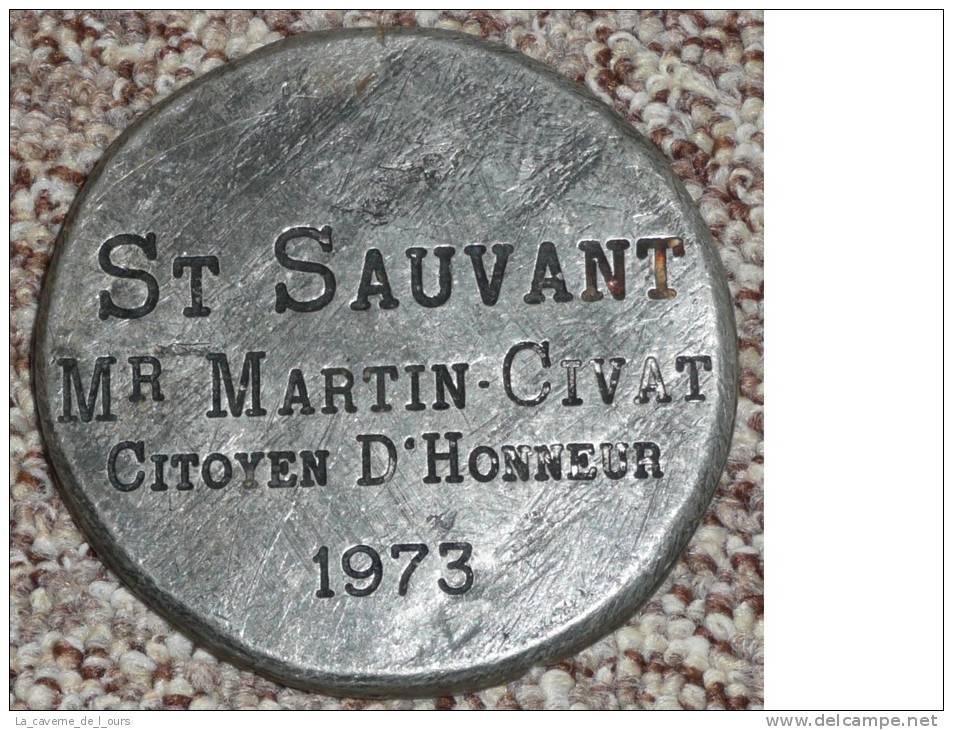 Médaille En étain, St Silvant, Saint-Sauvant, Citoyen D'Honneur, Confrérie Mr Martin-Civat, 1973, Raisin Clef - Touristiques