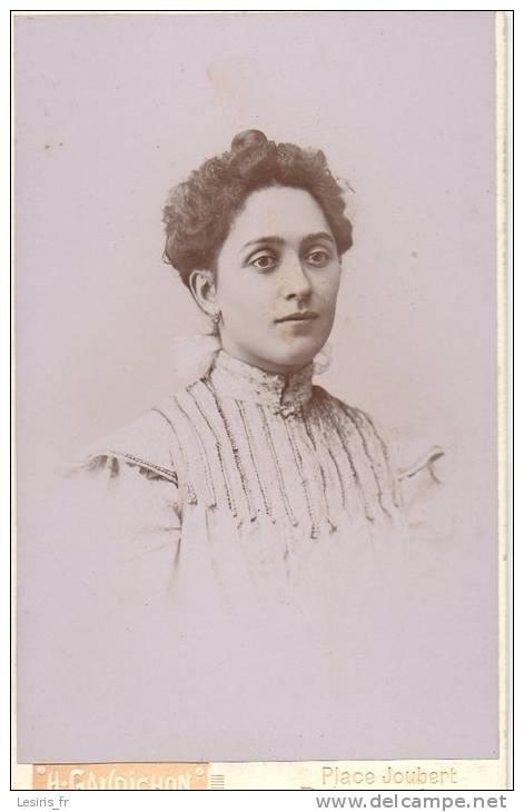 PHOTO SUR CARTON - H. GAUDICHON - BOURG - JEUNE FEMME - - Fotos