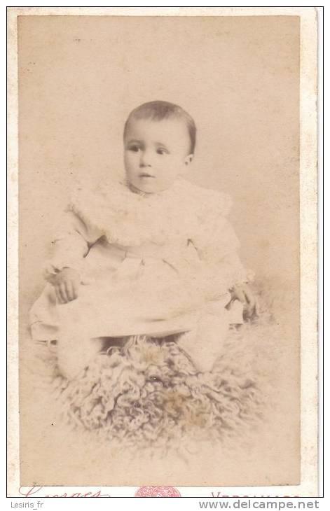 PHOTO SUR CARTON - GEORGES - VERSAILLES - BEBE - 17 MAI 1894 - Fotos