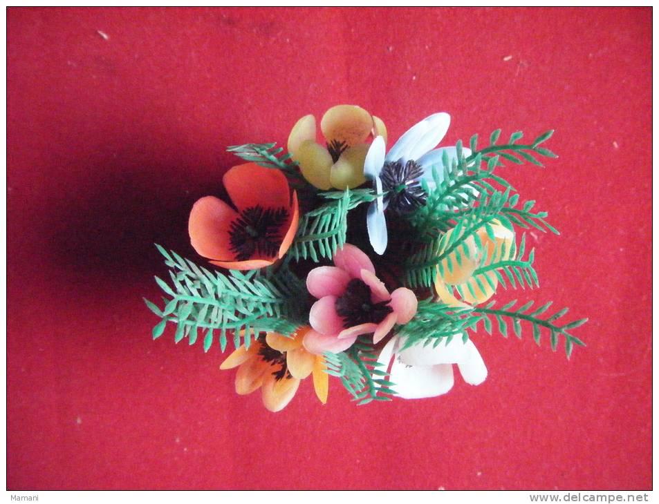Petit Chaudron Plastique Avec Fleurs Hauteur 9cm Avec Les Fleurs-pour Decoration  Maison Poupee - Non Classés