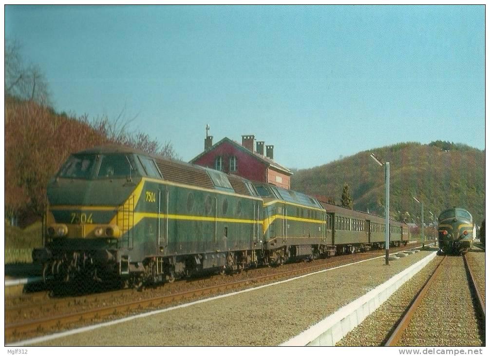 """Locomotives """"GENERAL MOTORS"""" En Europe BELGIQUE 7504 Et 6087 HASTIERES Le 19 Avril 1982 - Trains"""