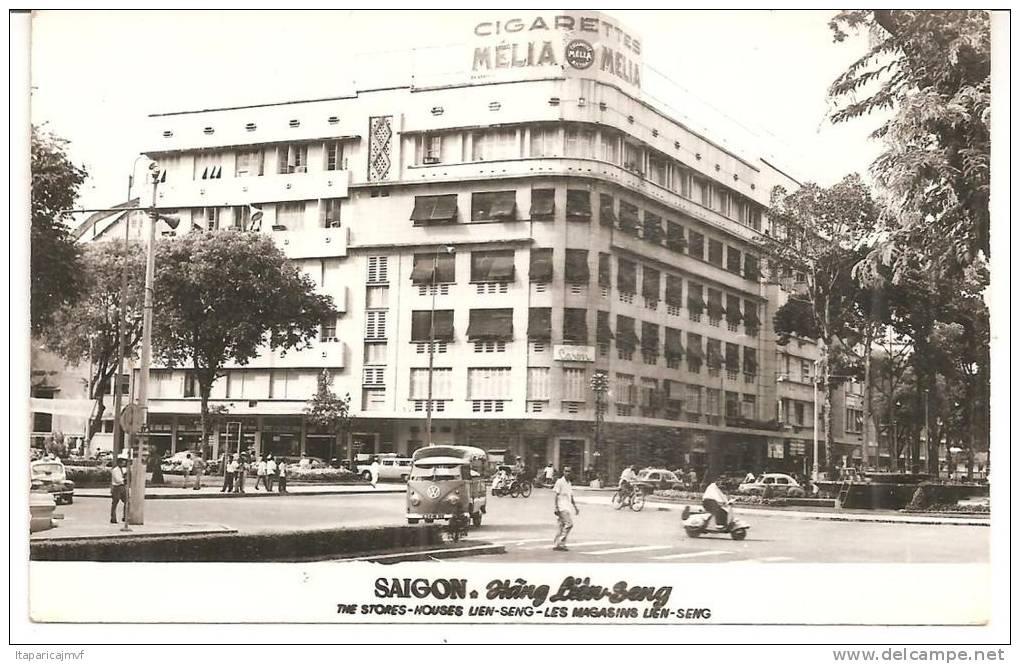 Cambodge :  SAIGON  : Les  Magasins (  Mélia - Cigarettes ) - Cambodia