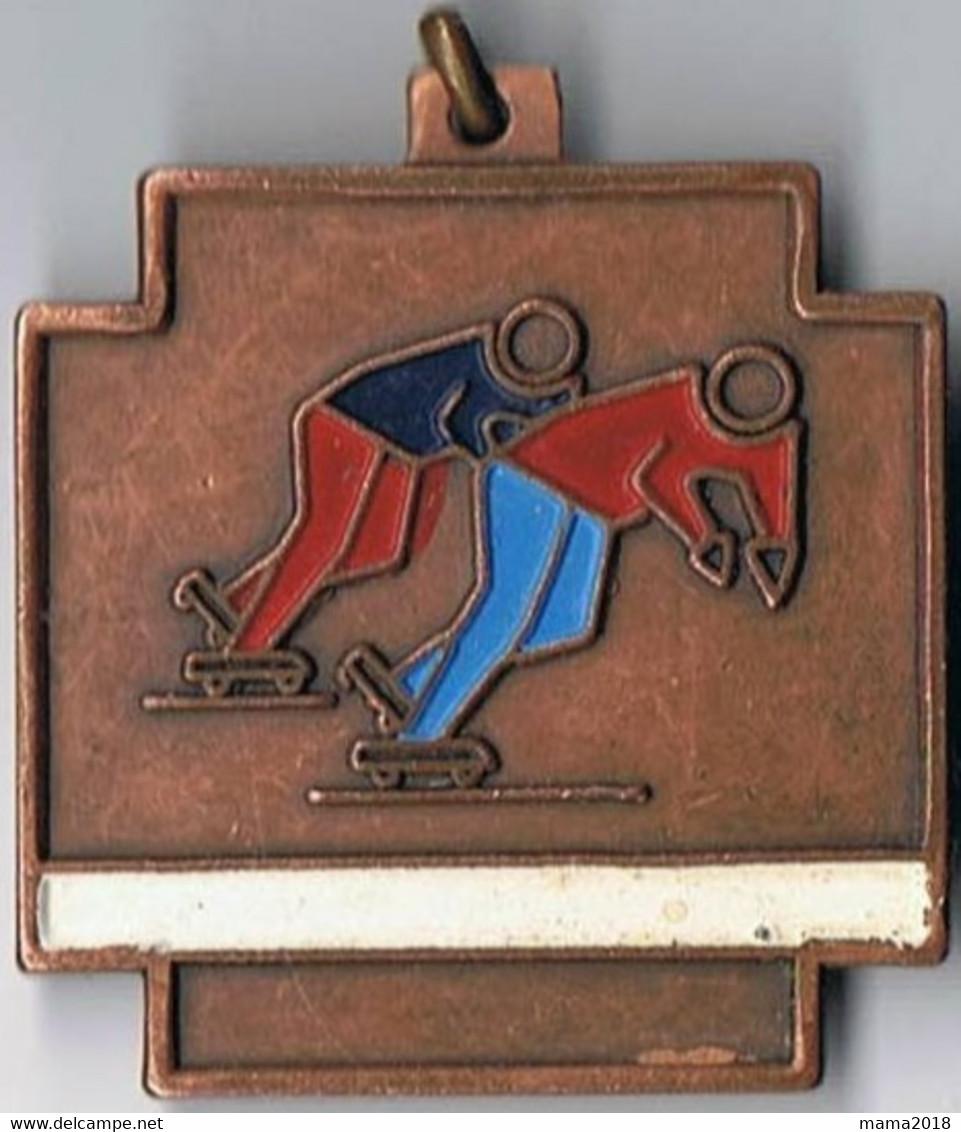 Médaille  Cuivre 3.5 Cm X 4.5 Cm  Patinage A Roulettes - Patinage Artistique