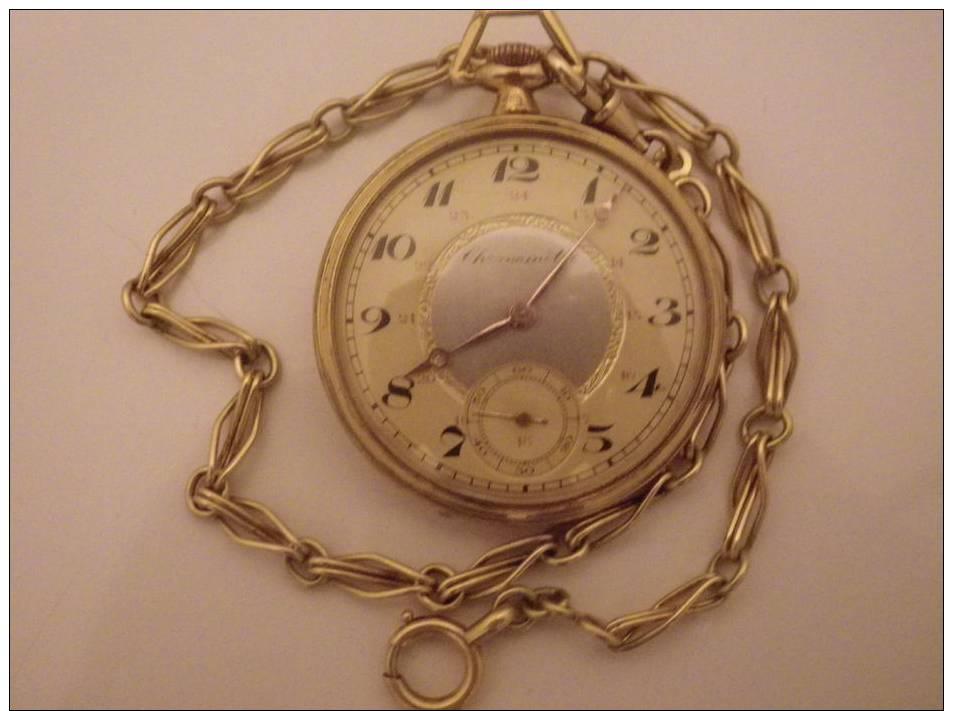 Montre En Metal Dore Avec Sa Chaine Fonctionne - Relojes De Bolsillo