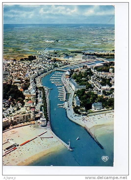 Ref 52 Cpsm 44 Le Pouliguen Vue Générale Du Port - Le Pouliguen