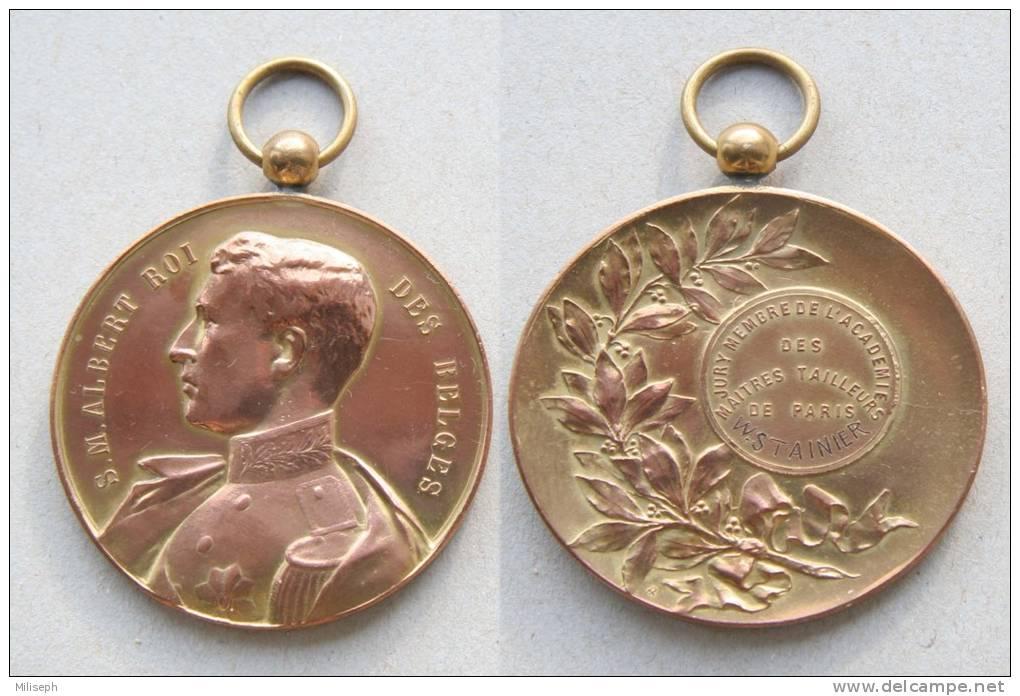 Médaille ROI ALBERT  -  ROI DES BELGES - Jury Membre De L'Académie Des Maîtres Tailleurs De PARIS - W. Stainier  (D1542) - Professionals / Firms