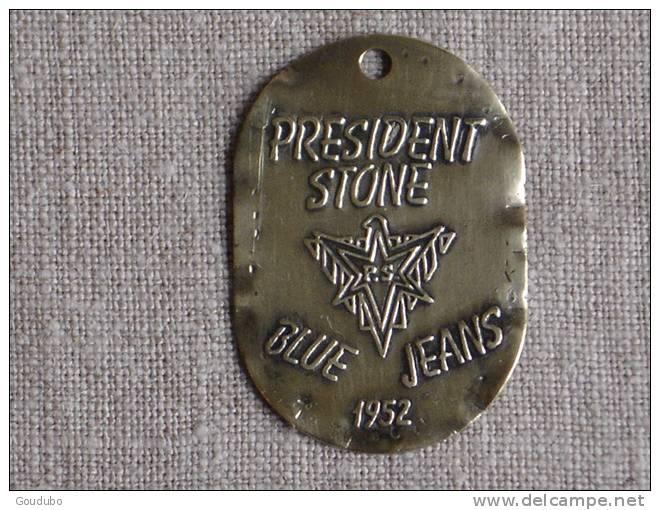 Petite Plaque 1952 Publicité President Stone Blue Jeans En Cuivre.V.photos. - Advertising (Porcelain) Signs