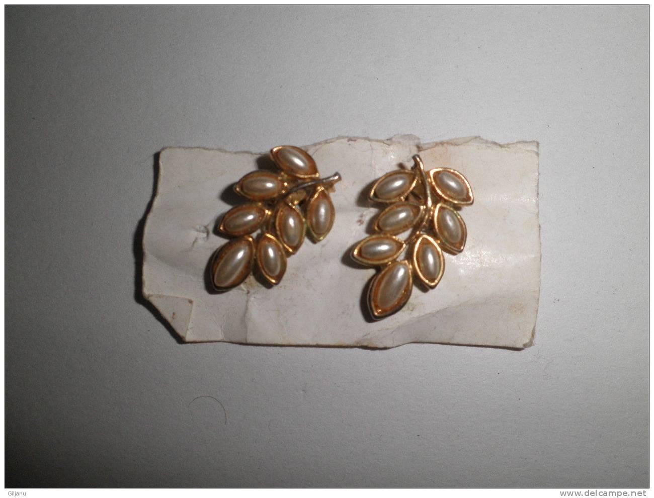 BELLE BOUCLES D OREILLES - Earrings