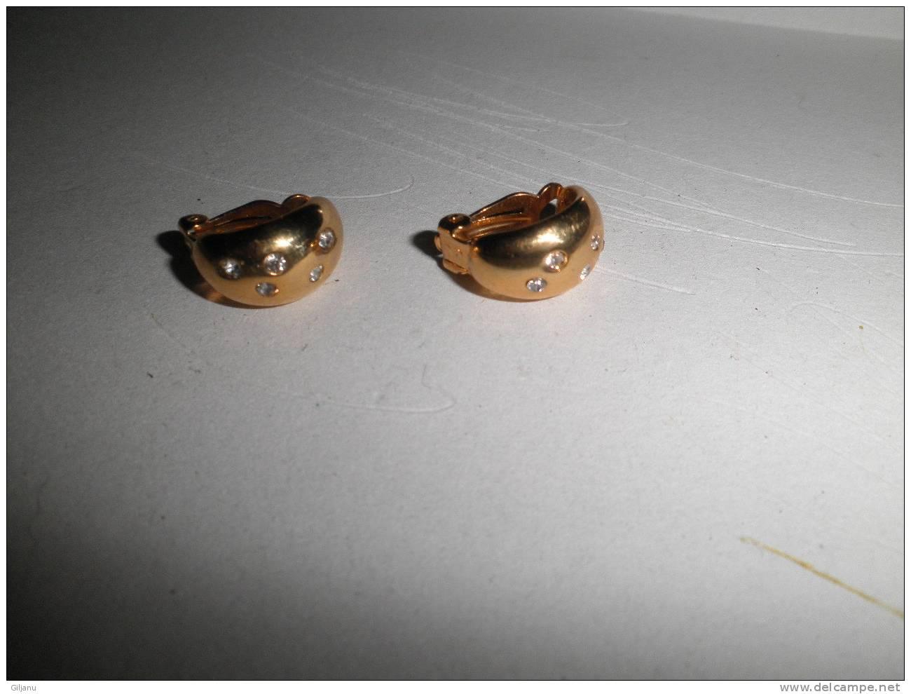 BOUCLES D OREILLES - Earrings