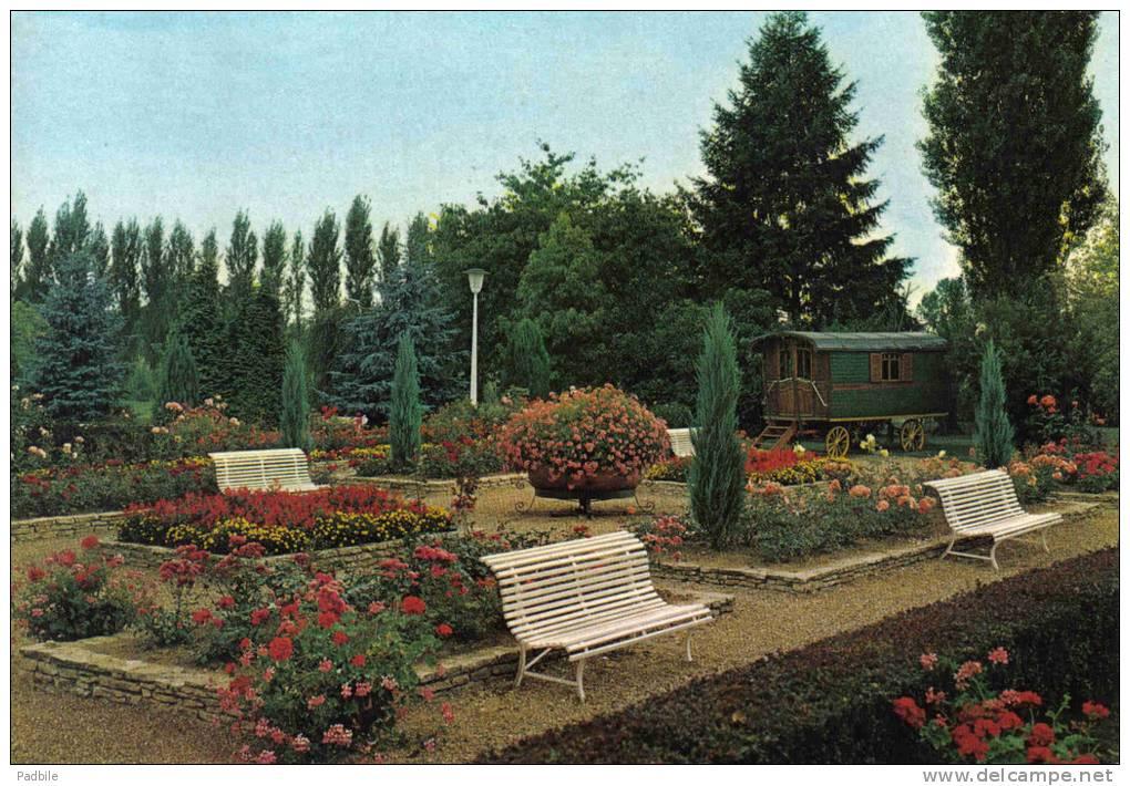 Carte Postale 71. La Chapelle De Guinchay  Hotel Restaurant ***Les Maritonnes*** Romanche-Thorins Trés Beau Plan - France
