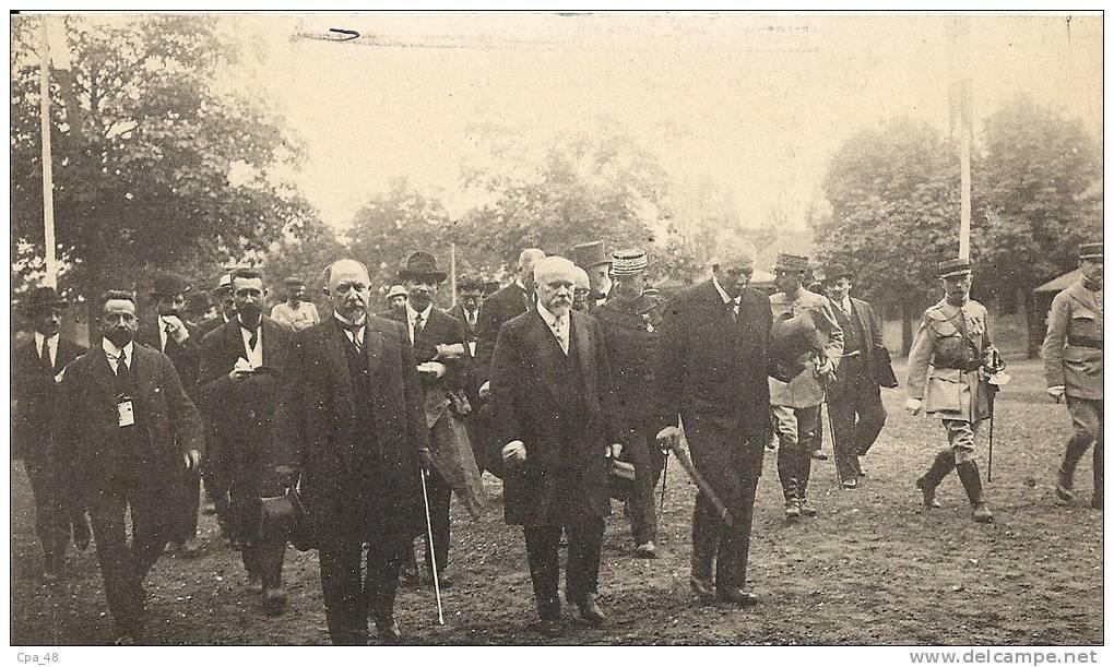 Nord- Anzin -Cambrai, Le Cortège Présidentiel Allant Visiter Les Baraquements. - Cambrai
