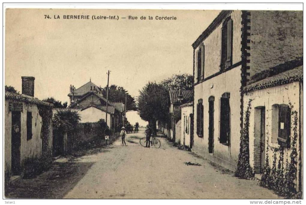 LA  BERNERIE  =   Rue  De  La  Corderie - La Bernerie-en-Retz