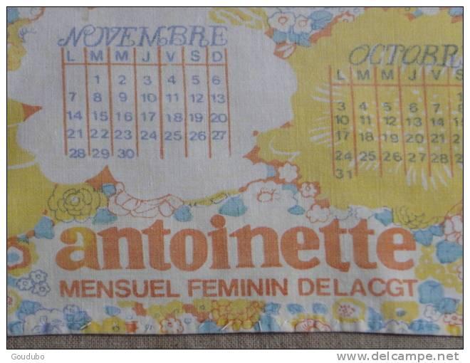 Calendrier Sur Tissu 1977 Antoinette Mensuel Féminin De La CGT. Voir 5 Photos. - Calendriers
