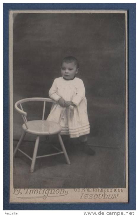 PHOTOGRAPHIE ANCIENNE D´UN ENFANT - J. TROTIGNON 63 RUE DE LA REPUBLIQUE ISSOUDUN - Foto
