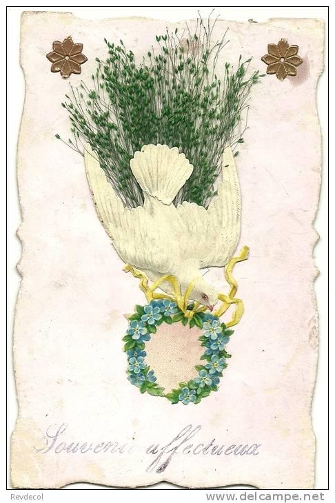 Carte Avec Collage D'une Colombe Portant Une Couronne De Fleurs, Avec Feuillage - Fantaisies