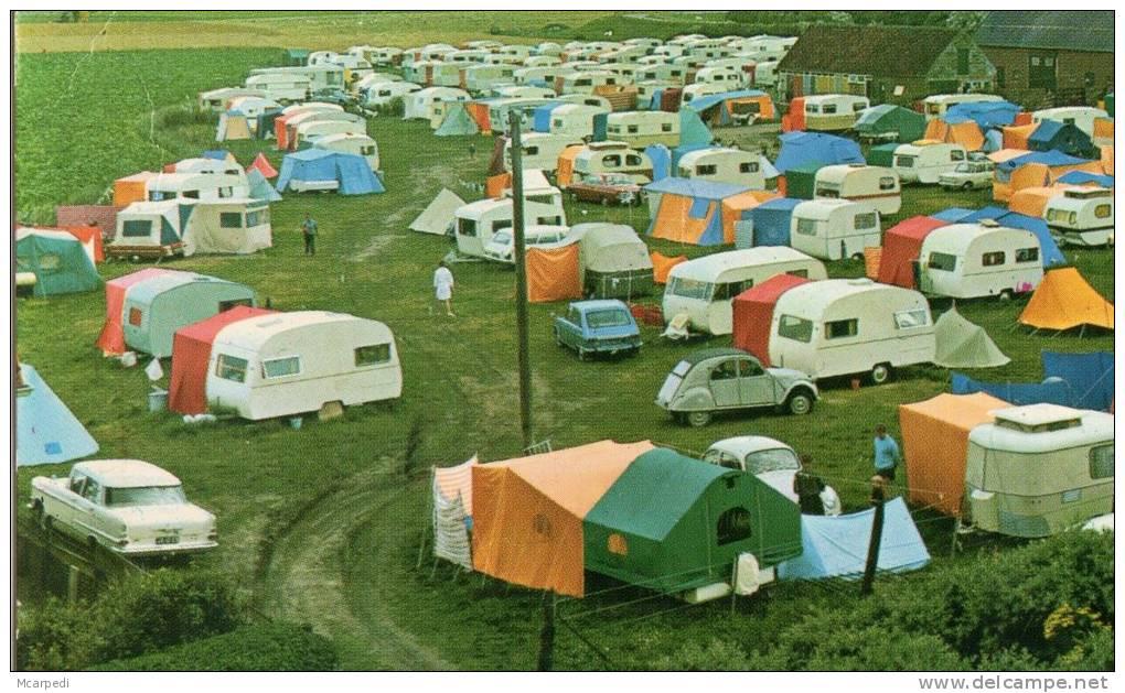 < Automobile Auto Voiture Car >> Opel Kapitan, Camping Caravane Eriba, Mostard Yvonne, Kip, Cadzand Hollande - Voitures De Tourisme