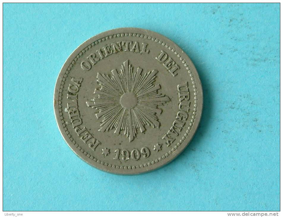 1909 A - 2 CENTESIMOS / KM 20 ( Uncleaned - For Grade, Please See Photo ) ! - Uruguay