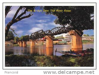 Thaïlande. The Bridge Over The River Kwae, Kanchanaburi. Le Pont Sur La Rivière Kwai - Bouddhisme