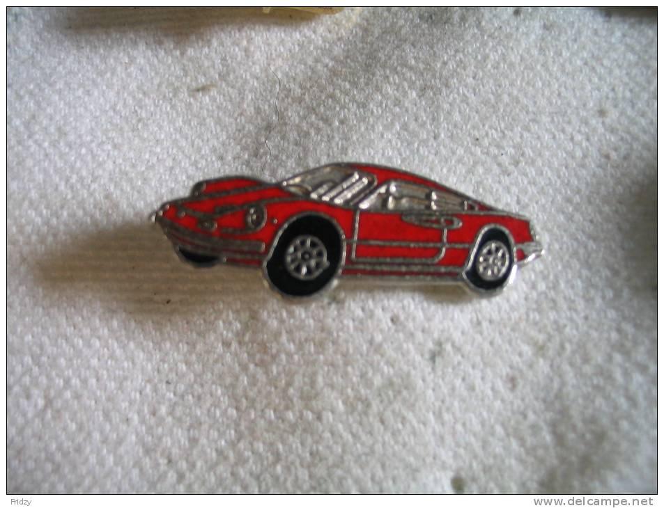 Pin's Ferrari Dino De Couleur Rouge - Porsche