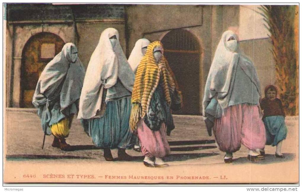 ALGERIE - Scènes Et Types - Femmes Mauresques En Promenade - Women