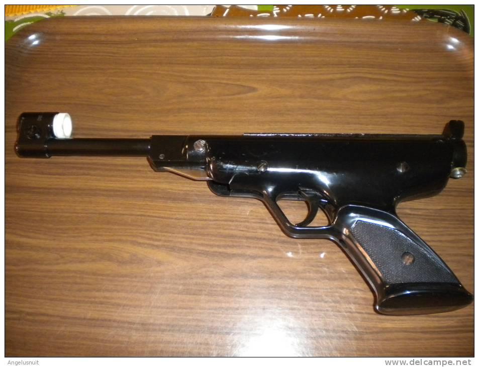 pistolet manu arme air comprim pistolet plomb. Black Bedroom Furniture Sets. Home Design Ideas