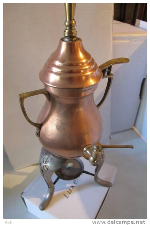 appareil ancien pour chauffer de l eau avec robinet et sifflet de s curit en cuivre. Black Bedroom Furniture Sets. Home Design Ideas