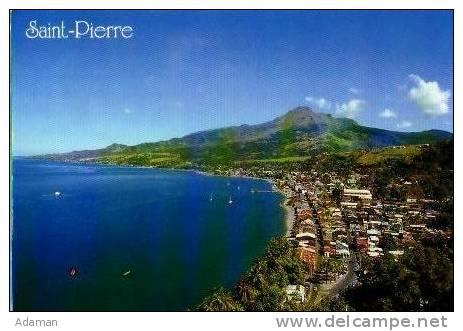 Saint Pierre      La Ville, La Rade Et La Montagne Pelée. Vu De ND De Bon Port . - Martinique