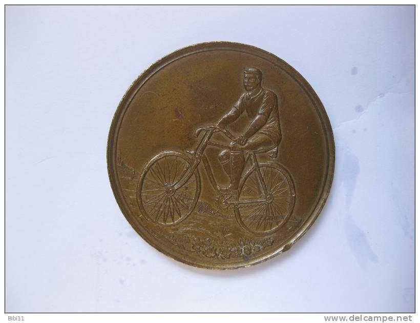 MEDAILLE. CYCLISME   (vélo) 19eme. Sans Signature Et Sans Poinçon - France