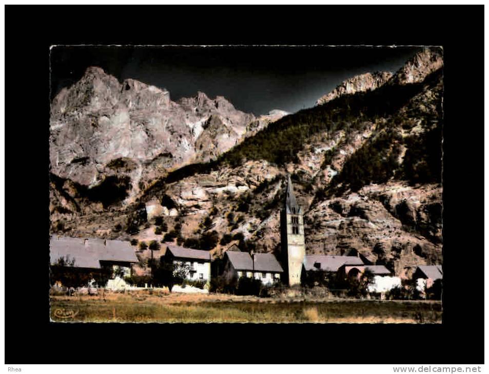 05 - LES VIGNEAUX - Quartier De L'Eglise Et Le Mont Brison - 15328 - France