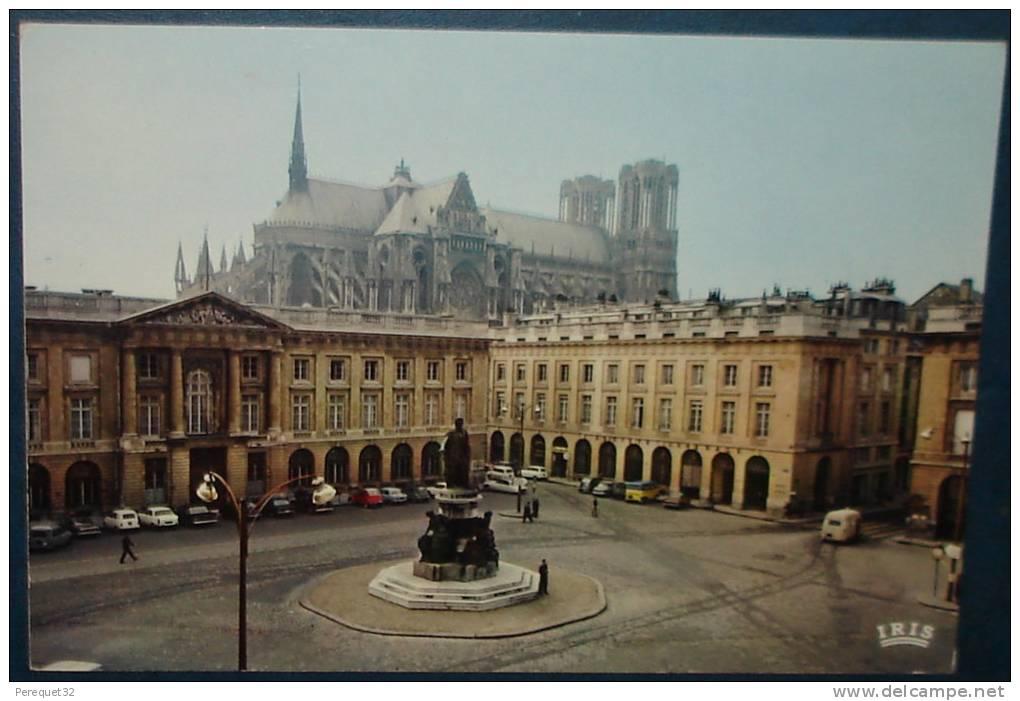 REIMS.Société Générale.2,Place Royale.Cpsm,voyagé,be,voitures Anciennes - Reims