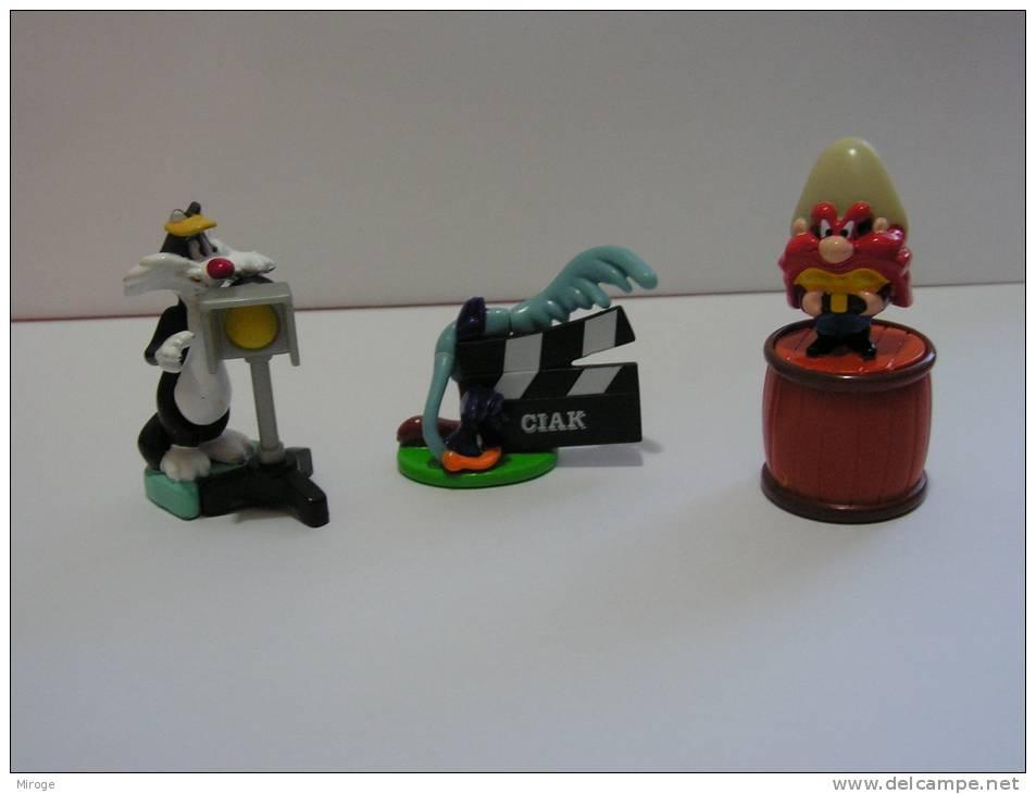 Lot Of 3 Cartoon  Kinder Surprise Toy, Road Runner, Sylvester, Sum Yosemite - Kinder & Diddl