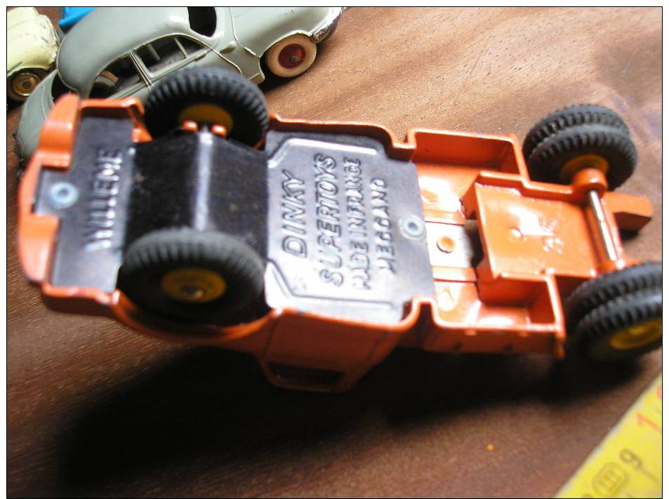MINIATURE CMION TRACTEUR WILLEME. DINKY SUPERTOYS N° 36. MADE IN FRANCE MECCANO. - Dinky