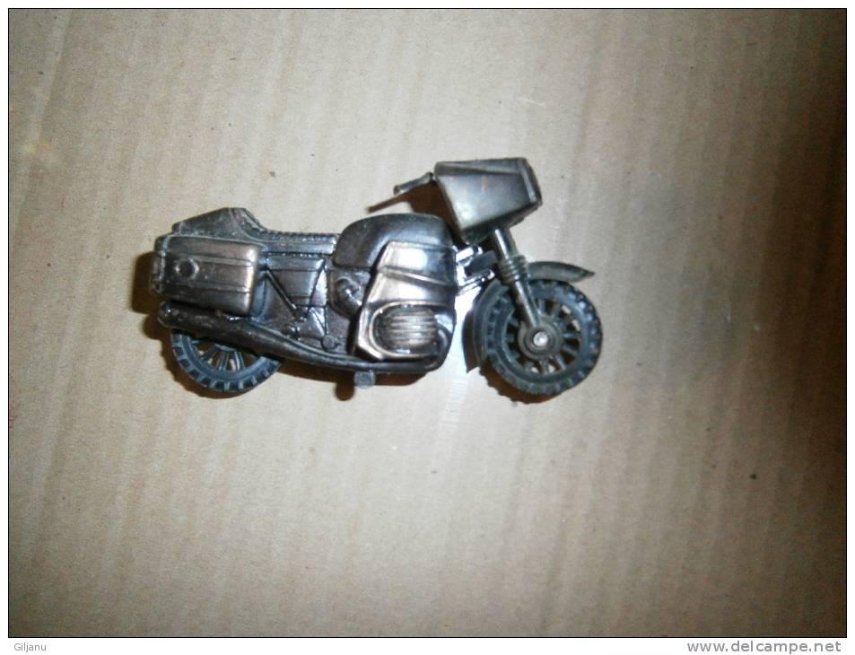 TAILLE CRAYON METAL  MOTO - Zonder Classificatie