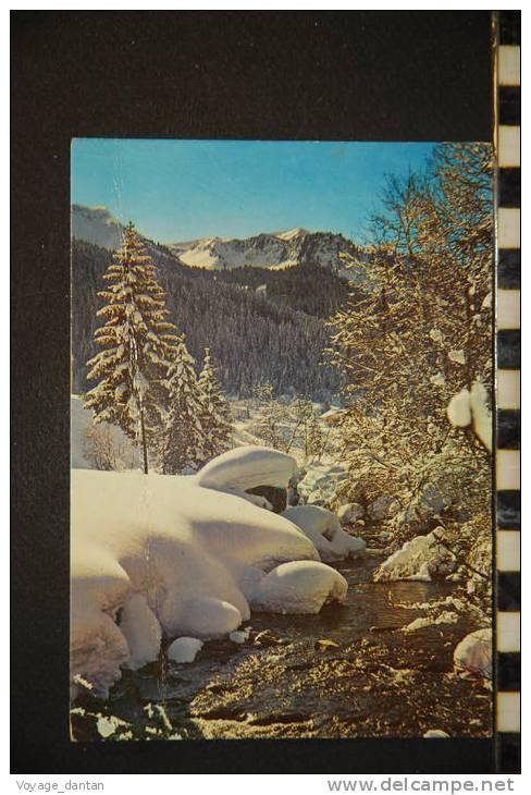Cp 63- L'hiver Dans Nos Montagnes  Scintillement Des Eaux Du Torrent à Travers Les Rochers De Neige - France