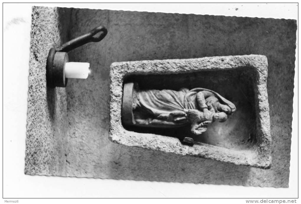 Martigne Briand Prieure Sainte Marie De Fontevrault La Vierge Du Narthex - Autres Communes