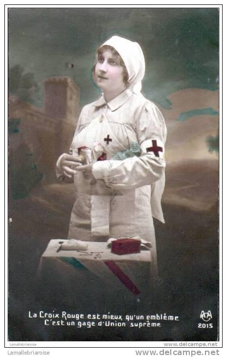 INFIRMIERE ET CROIX ROUGE - Croix-Rouge