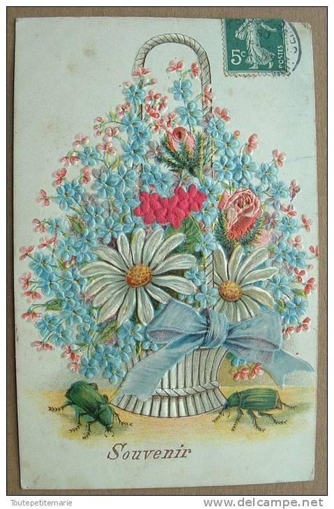 Carte Gauffrée Panier De Fleurs Avec Insectes Souvenir - Autres