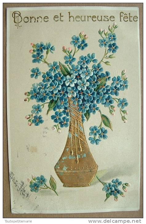Carte Gauffrée Bonne Et Heureuse Fete Vase Dorée Et Bouquet Bleu - Autres