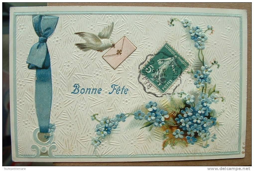 Carte Gauffrée Un Oiseau Amene Un Message - Bonne Fete - Autres